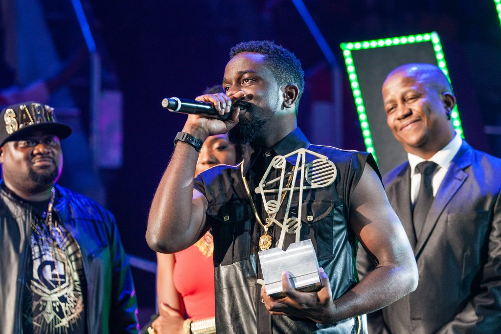 Sarkodie wins Best Hip Hop. Photo Credit: Al Nicoll, MTV Networks Africa (Pty) Ltd.